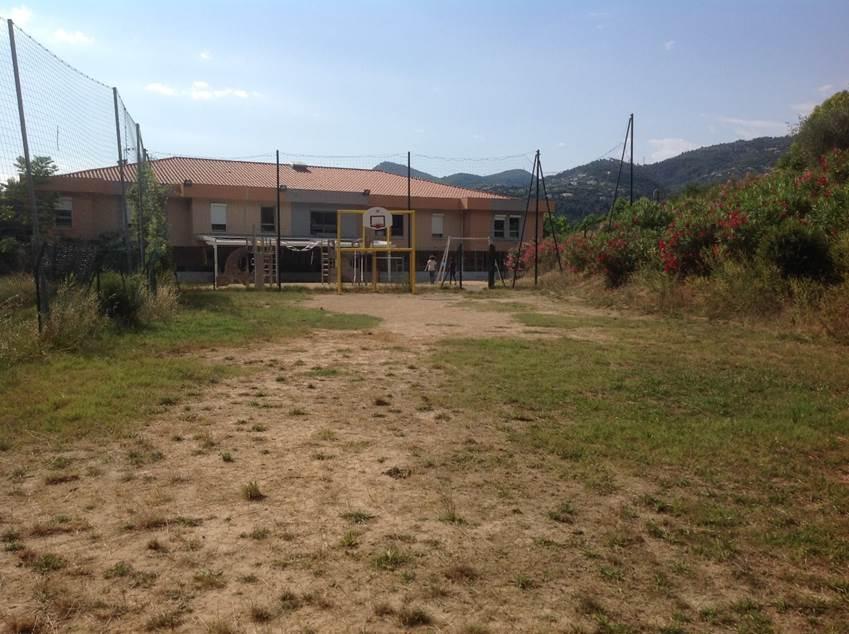 Construction et aménagement d'un terrain multisports