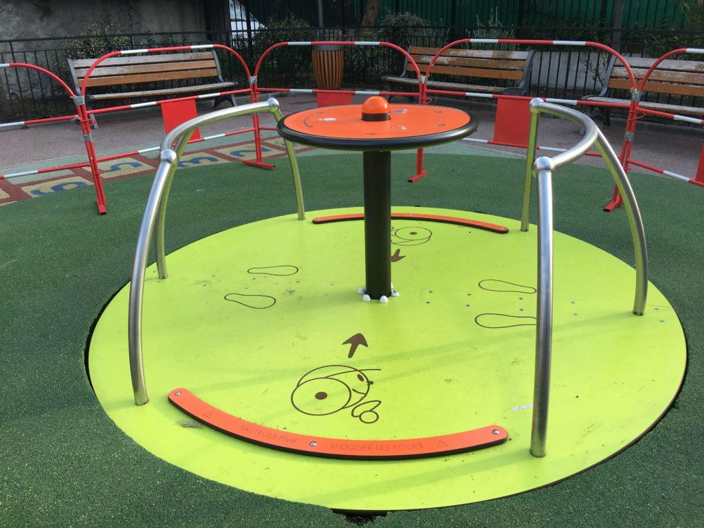 Aires de jeux pour enfants handicapés